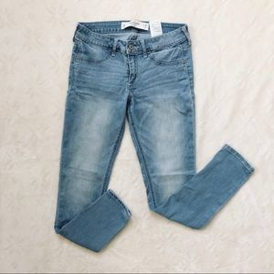 Abercrombie & Fitch Light Wash Jeans